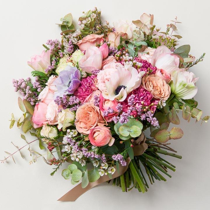 bouqet_anemones_roses_renoncules