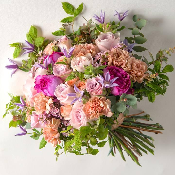 bouquet_romantique_rose_clematites_hortensias_roses