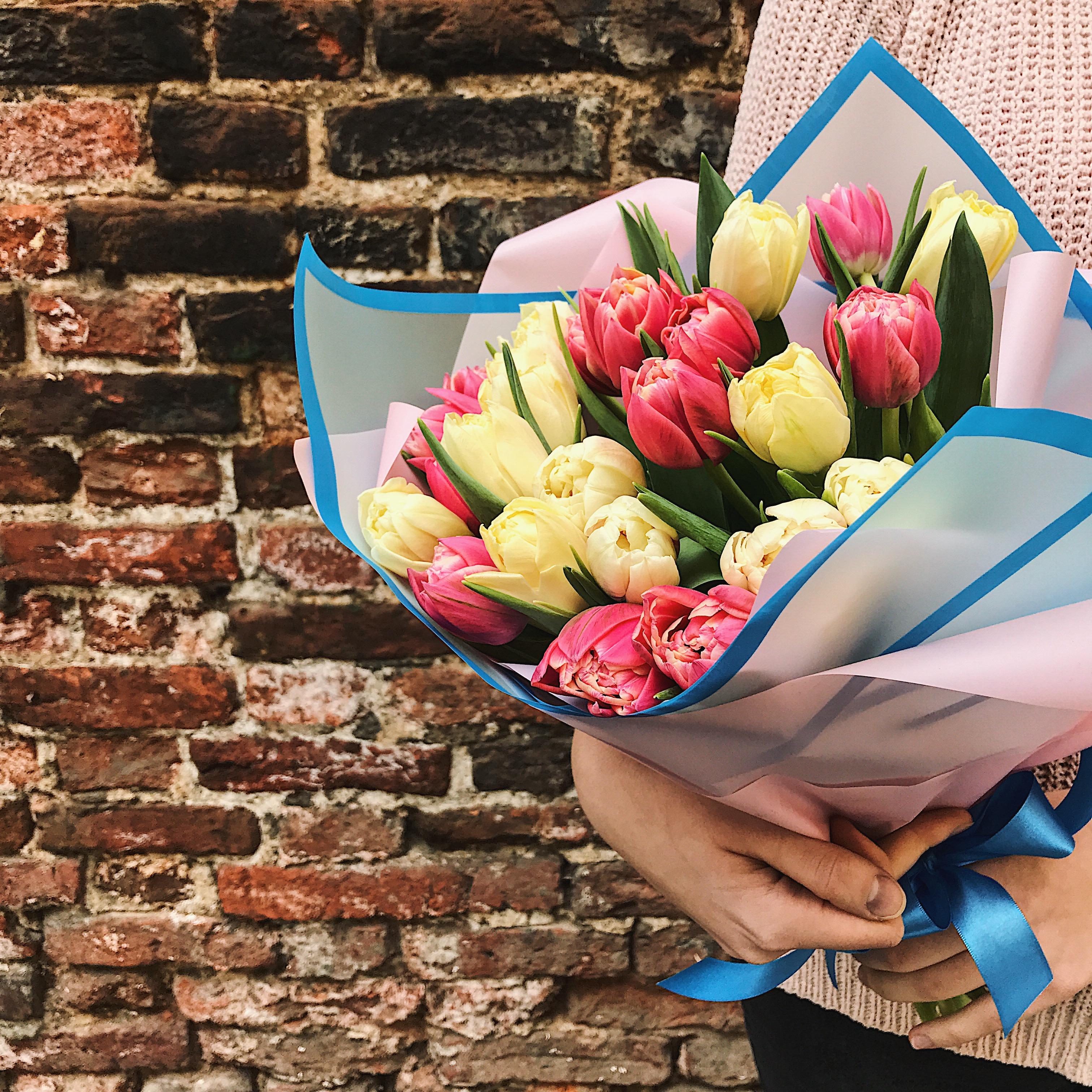 Букет из 21 пионовидного тюльпана